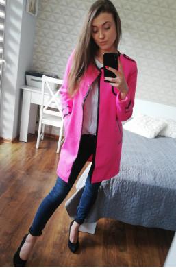 Płaszcz różowy z obszyciem...