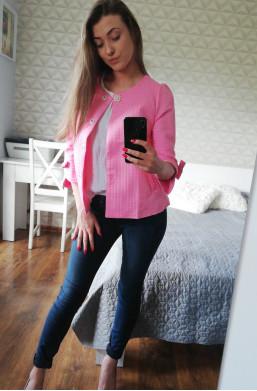 Żakiet różowy z kokardkami