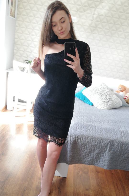 Sukienka koronkowa czarny