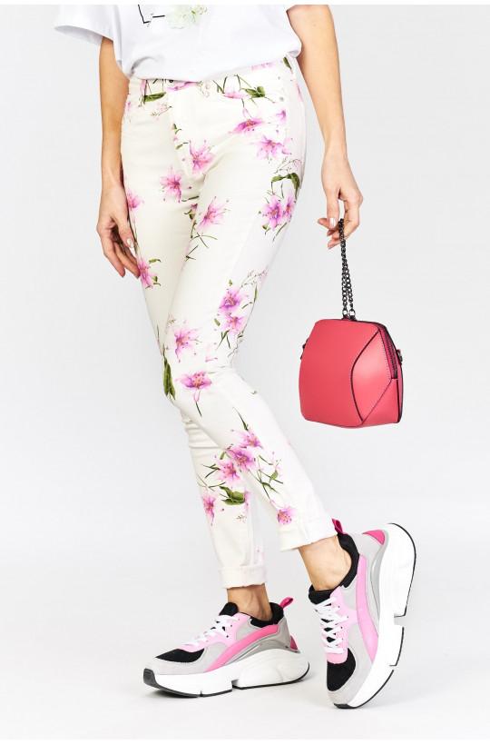 Spodnie w kwiaty new collection