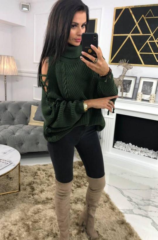 Sweter golf Mojo O La Voga beżowy odkryte ramiona,sweter z wycięciem,zielony sweter,luźny sweter,ciepły sweter