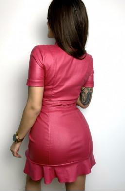 Sukienka ecosóra z falbaną różowa Marelina,krótka sukienka,sukienka z suwakiem,obcisła sukienka,sukienka na krótki rękaw