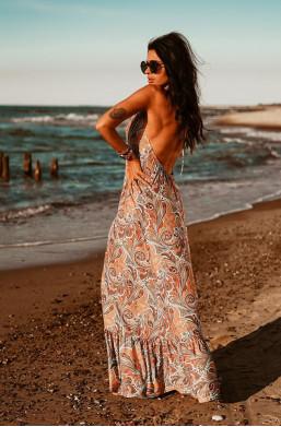 sukienka z odkrytymi plecami,długa sukienka,sukienka bez rękawów,zwiewna sukienka