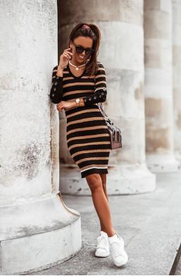 sukienka z guziczkami,sukienka w paski,obcisła sukienka,sukienka cocomore,sukienka z długim rękawem