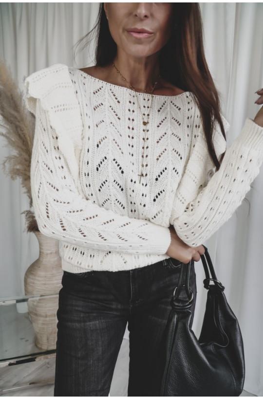 sweterek z falbankami,sweterek simental,biały sweterek,ecru sweterek,elegancki sweterek