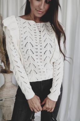 sweterek z wycięciami,jasny sweterek,delikatny sweterek,warszawa,piękny sweterek,ażurowy sweterek