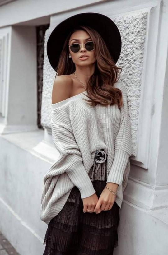 sweter oversize beżowy,luźny sweter,jasny sweter,modny sweter,ciechanów,warszawa,piękny sweterek,ciepły sweter