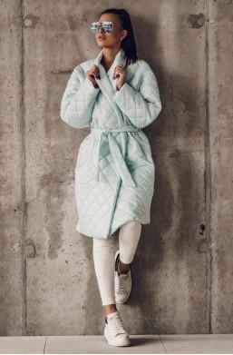 płaszcz,,płaszcz pikowany,płaszcz o la voga,płaszcz o kolorze miętowym,warszawa,modny płaszcz,hit2021