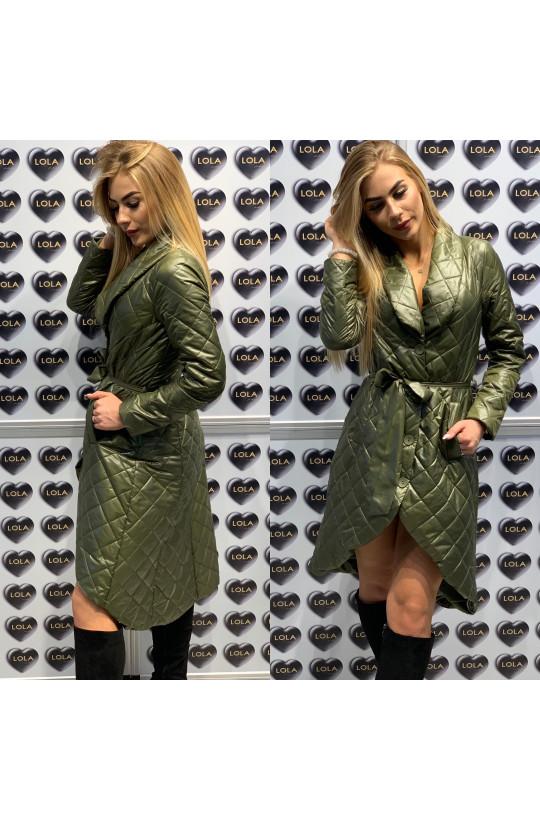 oliwkowy płaszcz,długi płaszcz,płaszcz pikowany,elegancki płaszcz,oryginalny płaszcz,modny