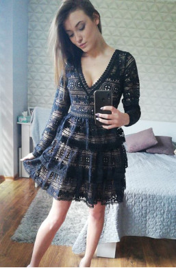 wyjście Sukienka czarna z koronki Lily Bcbee,Sukienka z kratką  czarny,krotka sukienka,modna sukienka,elegancka sukienka