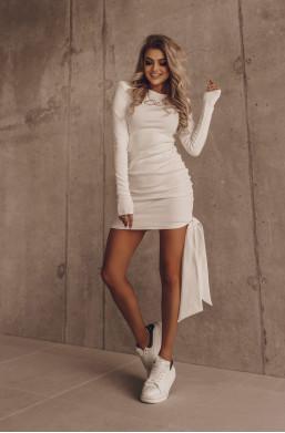 sukienka o la voga,krótka sukienka,modelująca sukienka,sukienka na długi rękaw,elegancka sukienka,hit