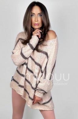 sweterek oversize,sweterek minouu,oryginalny,luźny,wygodny,na wiele okazji,ciepły,przytulny,na jesień,na zimę
