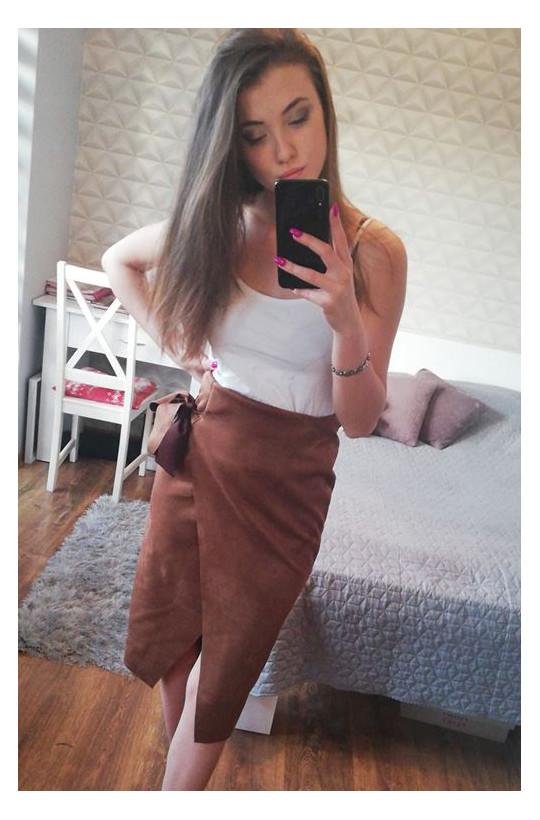 Świetna spódnica z wiązaniem Made in italy,zamszowa spódnica,krotka spódnica